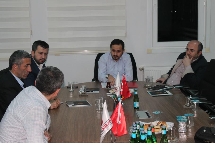 Türk Kızılayı Genel Müdür Yardımcısı Oğuz Özcan ile söyleşi - Söyleşiler - İsdam, İstanbul Stratejik Düşünce ve Araştırma Merkezi